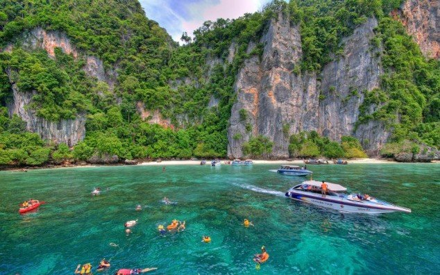 Phi-Phi-Islands-Thailand-634x396