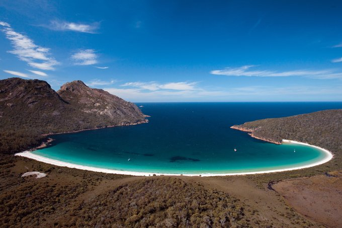 Wineglass_Bay_Freycinet_National_Park_Tasmania_Australia_04-