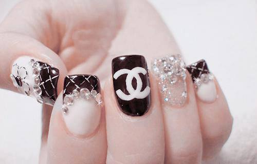 Black and white nail art design world inside pictures advertisements prinsesfo Images
