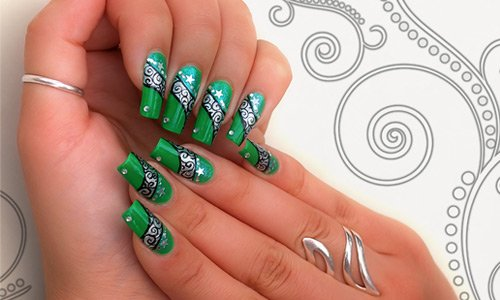 47-greenish-nail-art