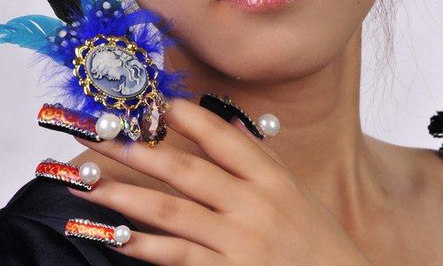74-pearl-nail-art