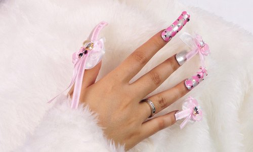 75-simply-white-nail-art