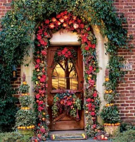 cool outside christmas decorations 15 554x581 - Christmas Decorations For Outside