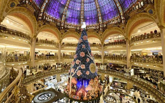 Christmas Decorations Around the World | World inside pictures