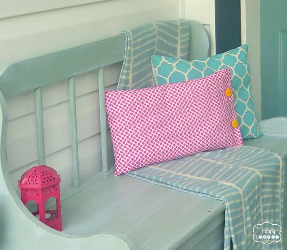 No-Sew Throw Pillows ... & 15 No Sew DIY Pillow Ideas | World inside pictures pillowsntoast.com