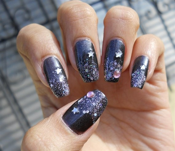 1 - 33 Nail Art Design For New Year's Eve World Inside Pictures