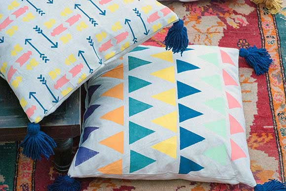20 EASY AND DECORATIVE FLOOR CUSHIONS THAT YOU CAN DIY World