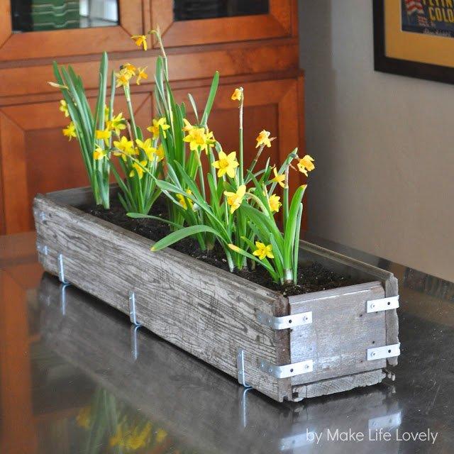 DIY Rustic Distressed Planter Box