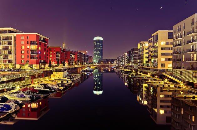 frankfurt-west-harbour-night