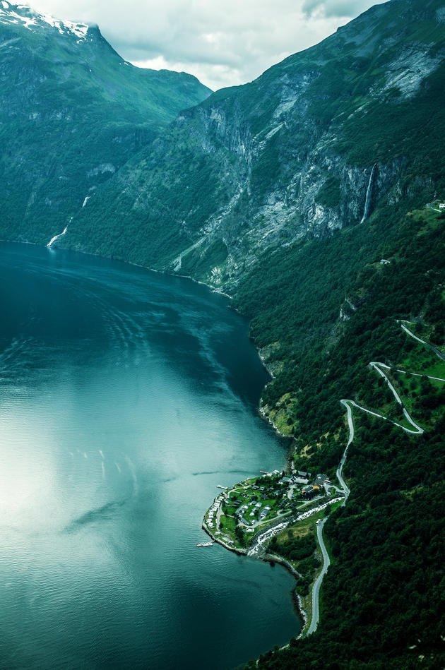geiranger-fjord-eagle-road