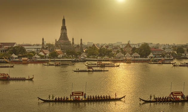 royal-barge-procession-bangkok-chattakan-kosol