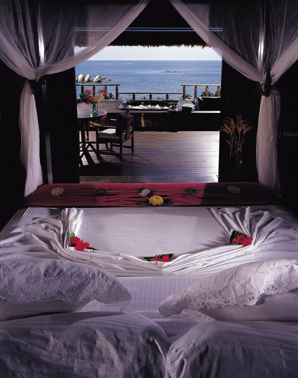 3 world inside pictures for Coolest bedrooms ever