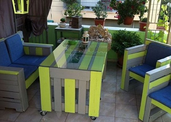 20 Smart DIY Ideas To Reuse Old Pallets Into Trendy Home Decor | World ...