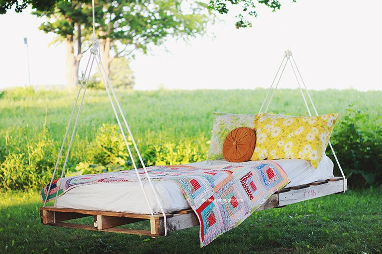 22 Cheap, Easy and Creative Pallet Furniture DIY Ideas That Will Inspire You