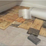 Her Floor Was A Disaster! What She Does On The Cheapest Way Using These Old Pallets Is Really Awesome