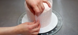 She Starts Wrapping Bubble Wrap Around This Cake. When She's Finished ! Absolutely Perfect