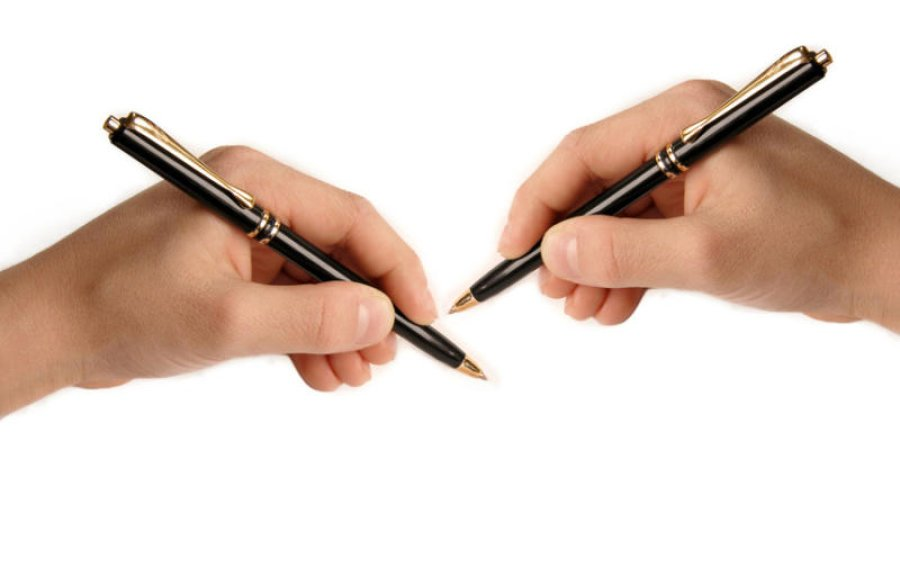 left hand writing Scientists still aren't sure what causes handedness and why nine out of 10 people are right-handed  left- vs right-handed their right hand for writing.
