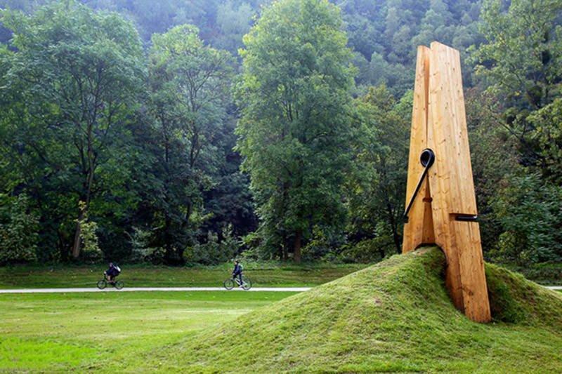 giant-clothespin-belgium