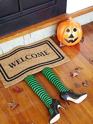 15 Super Fun And Scary Crafts For The Halloween Evening