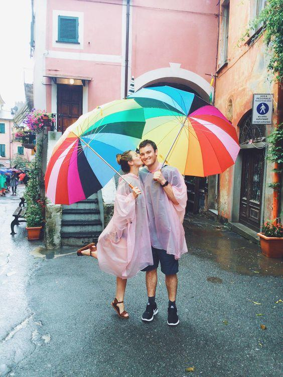 Arrive With A Style! 18 Ways To Wear Umbrella