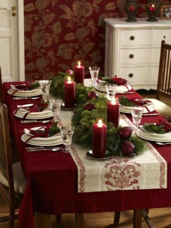20 Festive Ideas For Setting Your Christmas Table