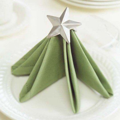 Napkins' Décor Ideas That Will Make Christmas Table More Festive