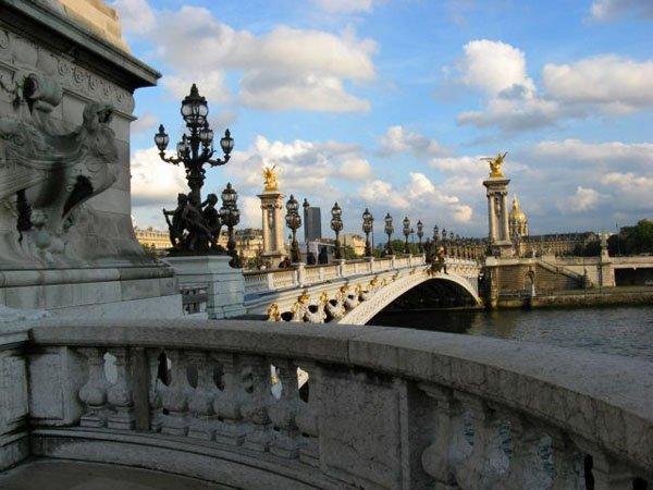 Alexander-Bridge-in-Paris-France_Splendid-architecture_1499