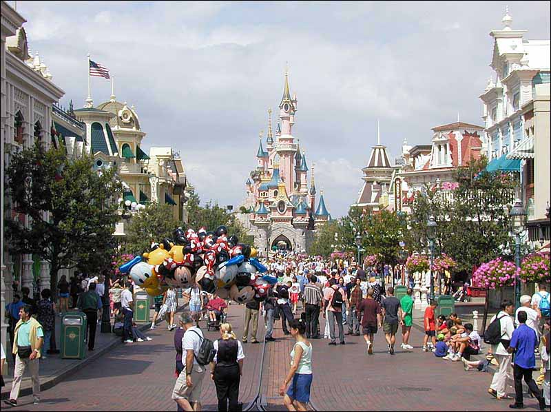 Disneyland, Paris-Street in Disneyland tourism destinations