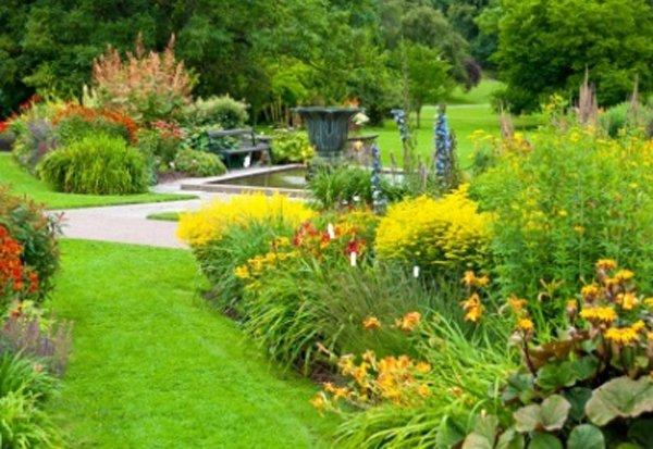 flower-garden-sweden