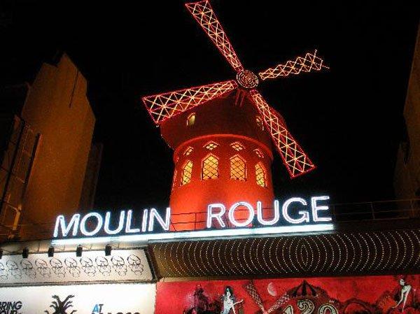 moulin-rouge-paris-france