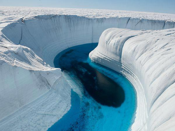 Ice-Canyon-Greenland
