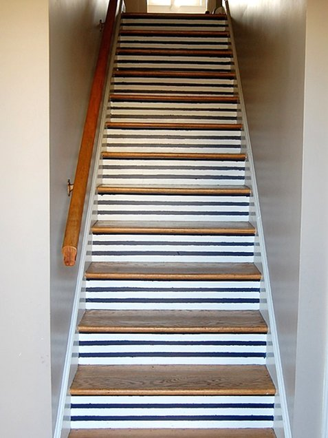 Nautical-Stripe-Staircase