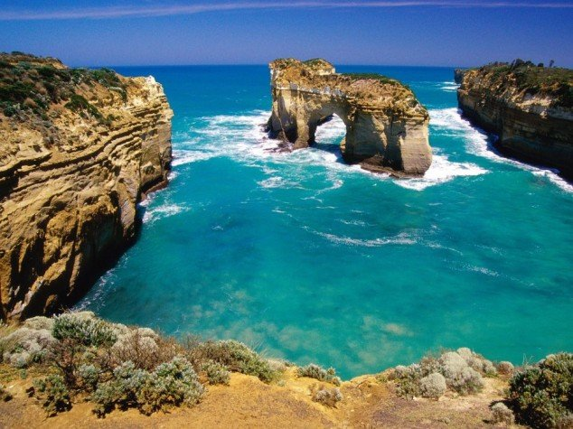 Port-Campbell-National-Park-Melbourne-Victoria-Australia-634x475