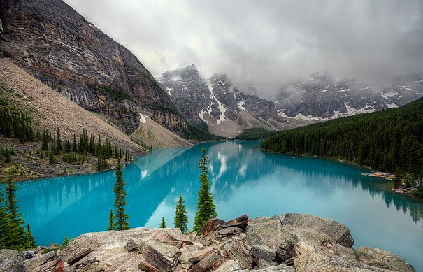 amazing-places-antelope-moraine-lake-1