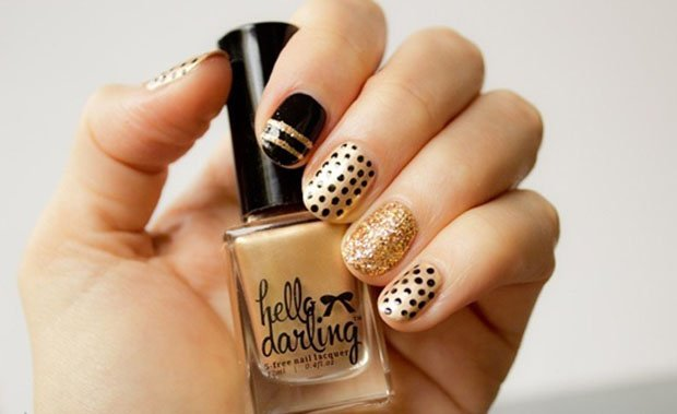 golden-gliter-nail-art-11
