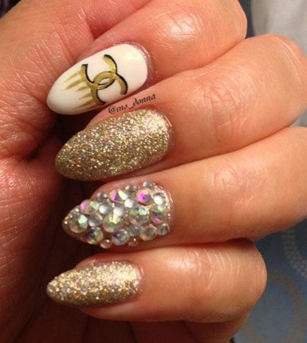 golden-gliter-nail-art-16