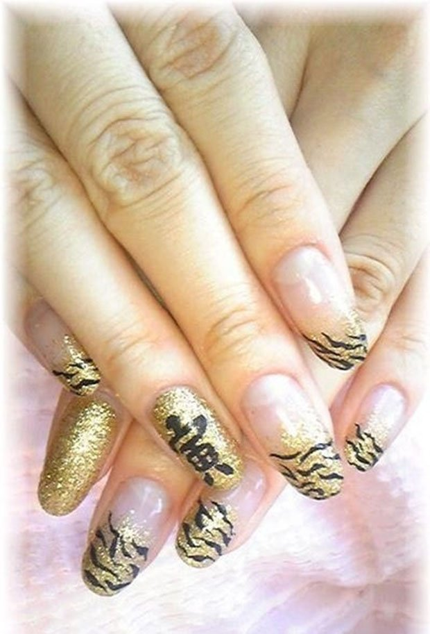 golden-gliter-nail-art-20