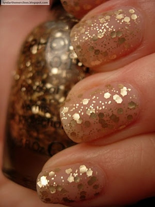 golden-gliter-nail-art-29