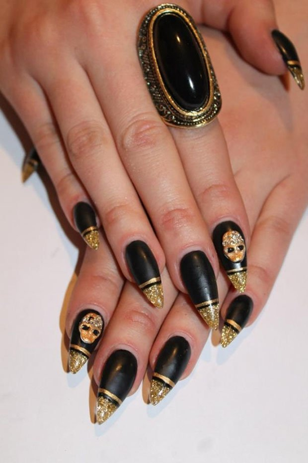 golden-gliter-nail-art-3