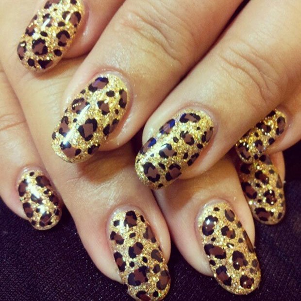 golden-gliter-nail-art-31