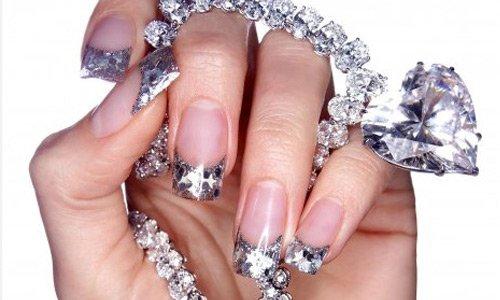 25-accessorize-nail-art
