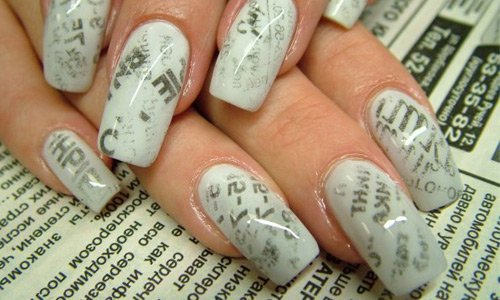 26-newspaper-nail-art