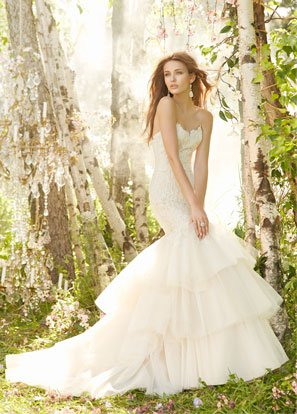 jim-hjelm-bridal-charmeuse-tulle-gown-strapless-beaded-lace-elongated-tiered-skirt-beaded-chapel-train-8302_lg