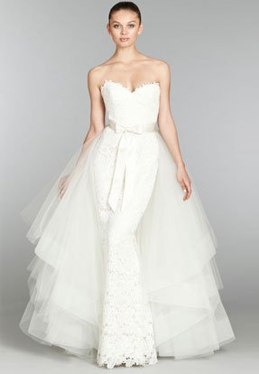 lazaro-bridal-lace-trumpet-gown-sweetheart-neckline-detachable-horsehair-train-natural-waist-sweep-train-3357_lg_lb