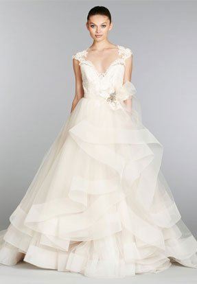 lazaro-bridal-tulle-ball-gown-lace-sweetheart-neck-belt-brooch-natural-waist-circular-skirt-chapel-train-3364_lg_lb