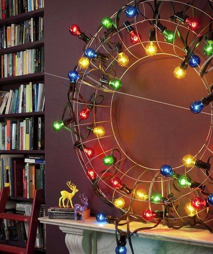 Eccentric illuminated wreath