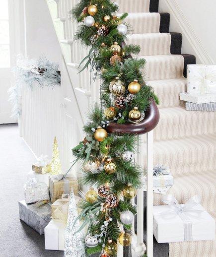 Festive bannister garland