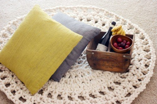 awesome-crocheted-diys-for-cozy-home-decor6-500x333
