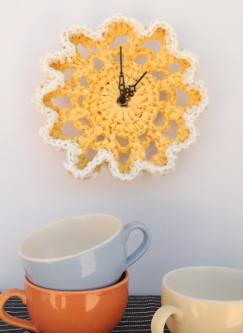 awesome-crocheted-diys-for-cozy-home-decor7