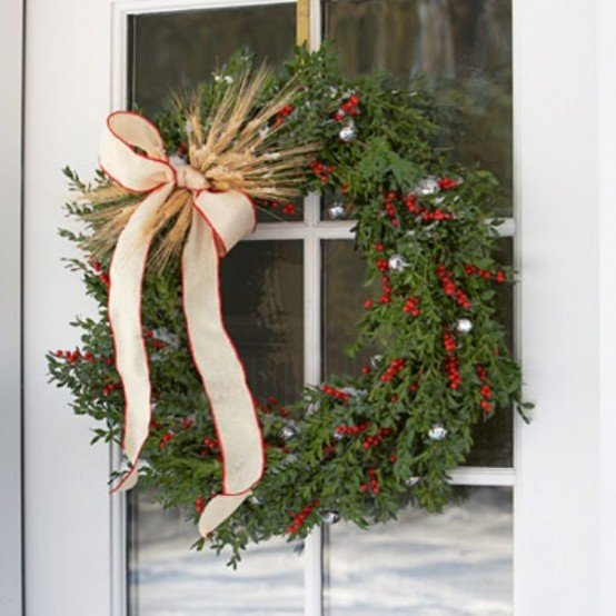 cool-outside-christmas-decorations-10-554x554